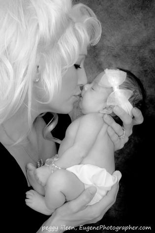 newborn-baby-portrait-studio-eugene