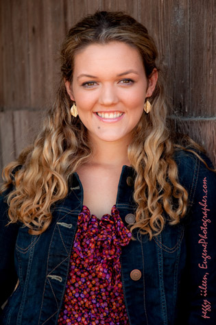 senior-girls-are-cute-eugene-oregon-