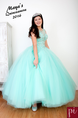 Quinceanera photographer for Maya in eugene oregon
