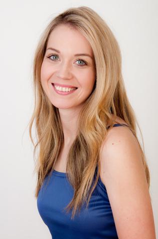 Modeling Photographer Peggy Iileen