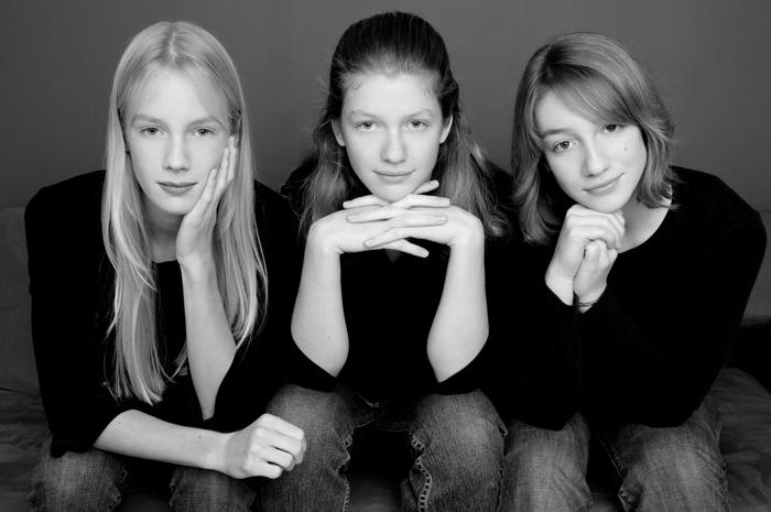family portrait photography for the Kouba sisters