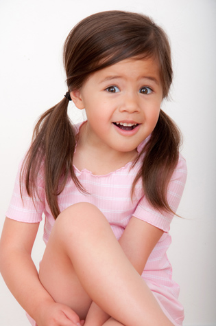 actor-headshots-for-children-Simone
