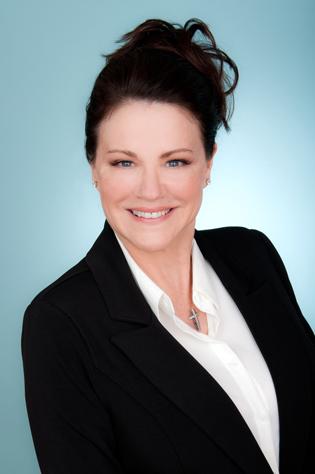 business-headshots-for-Debora