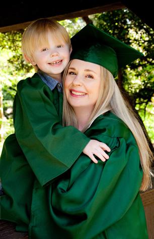 U-of-Oregon-Graduation-photos-for-Megan-and-Ollie